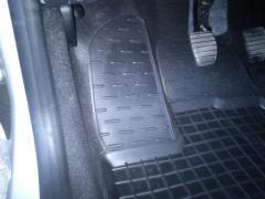 Килимки в машину Renault Logan. Автоковрики в салон Рено Логан